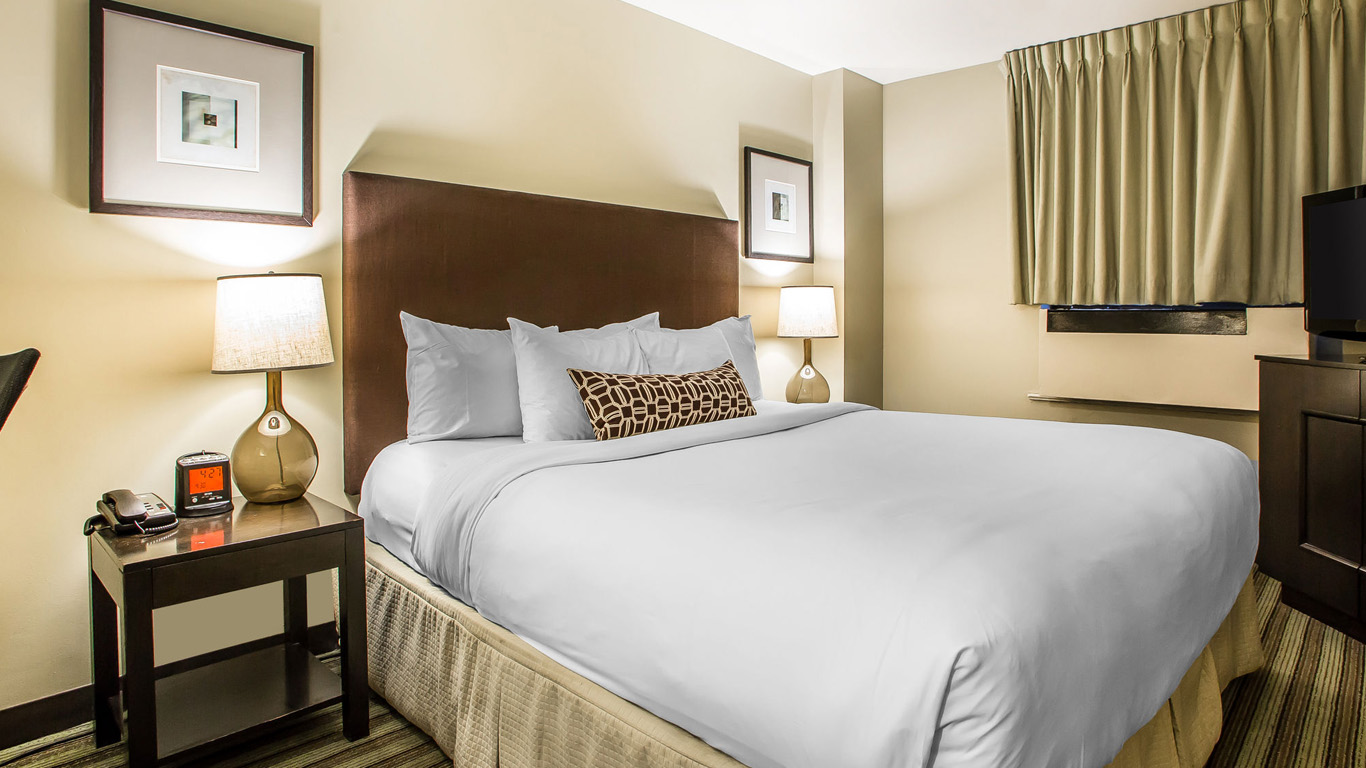 The Inn of Chicago | Downtown Chicago Hotel near Navy Pier
