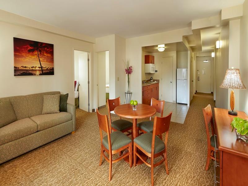 Waikiki Hotels Room Suites At Pearl Hotel Waikiki